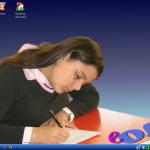 Klasyczny pulpit stacji roboczej z KDE.